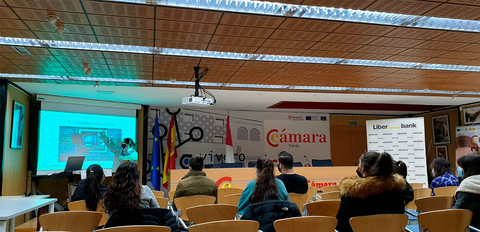 Talavera de la Reina acogió varias charlas sobre Educación Financiera organizadas por la Cámara de Comercio y Liberbank