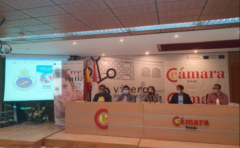 Cámara Toledo ofrece formación gratuita de Socorrista y de Monitor de Natación en Talavera de la Reina.